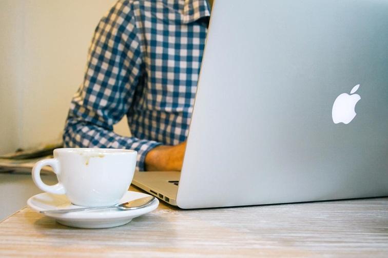 Suomalainen ostaa verkosta – entistä enemmän